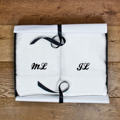 Set of Two Luxury Hand Towels Script Font
