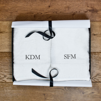 Set of Two Luxury Hand Towels Serif Font
