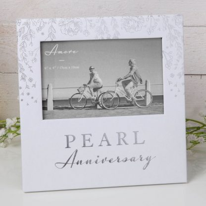 """AM11530 6"""" x 4"""" - Amore Paperwrap Photo Frame - Pearl Anniversary"""